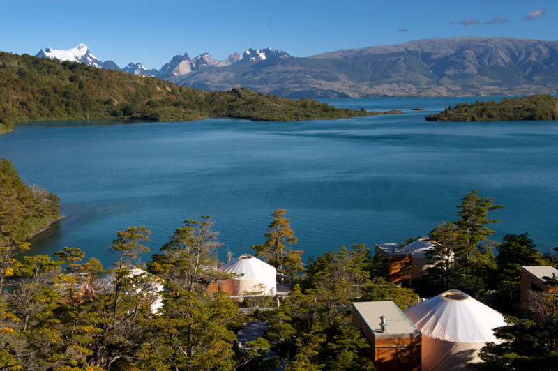 glamping-in-south-america-patagonia-camp-toro-lake-Paine-massif