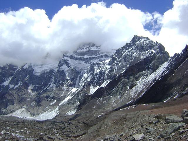 aconcagua-tallest-mountain-south-america-trekking