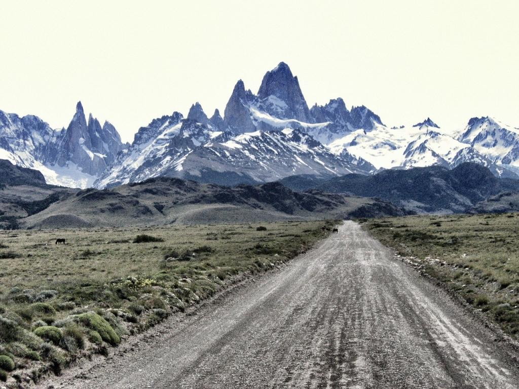 el-chalten-mt-fitzroy-patagonia-south-america-trekking