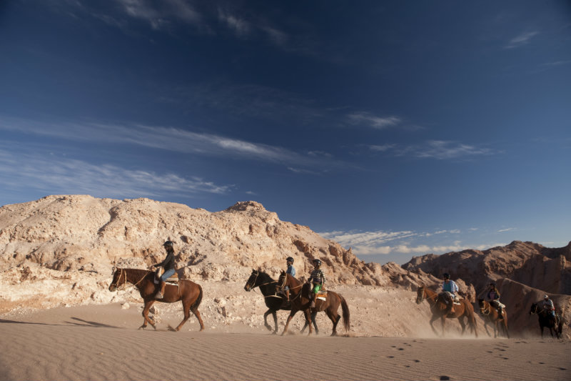 Atacama-desert-chile-horse-riding