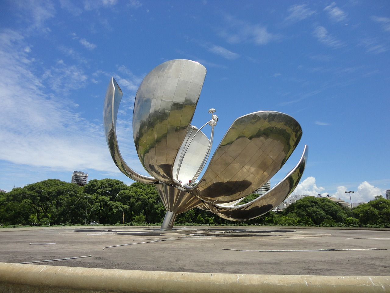 10-things-to-do-in-Buenos-Aires-Argentina-Floralis
