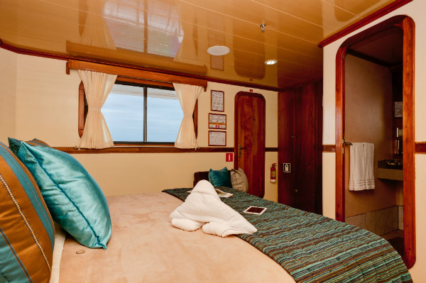 galapagos-seaman-journey-double-cabin-glamour-galapagos-islands-tours