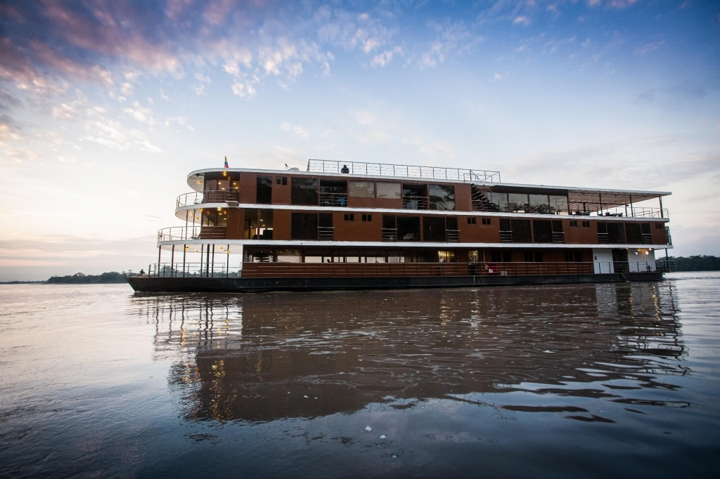 luxury-amazon-cruise-anakonda-cruise-exterior