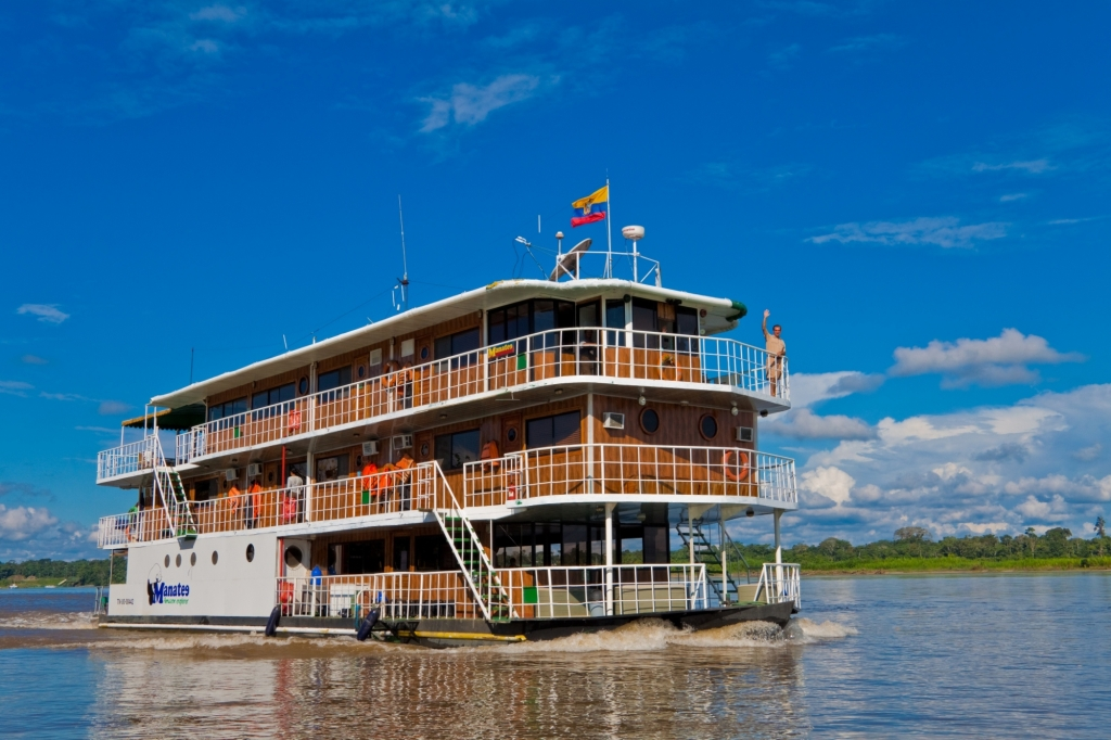 luxury-amazon-cruise-manatee-explorer-exterior