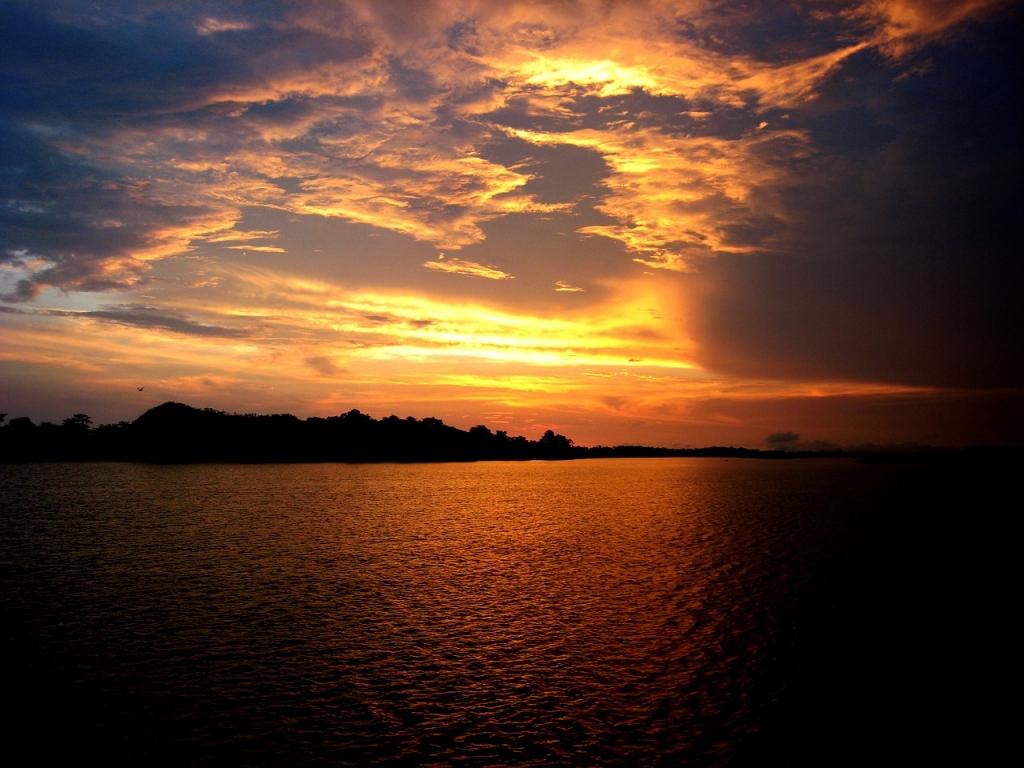 sunset-amazon-manaus-things-to-do-brazil-cities