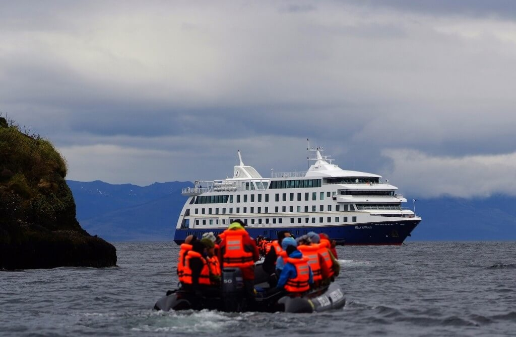 patagonia-tours-adventure-cruise-australis-excursion