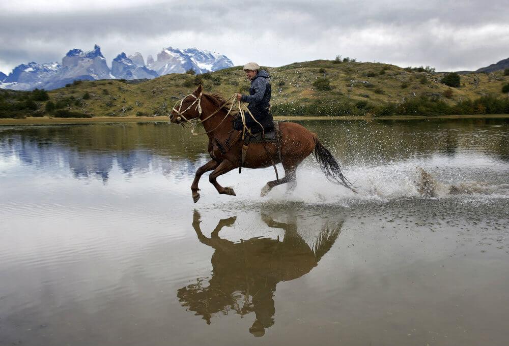 patagonia-tours-adventure-explora-patagonia-horseriding-torres-del-paine